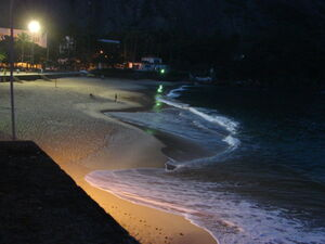 Praia Vermelha beach at night