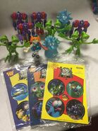 Lot 13 Bump in the night subway kids meal toys