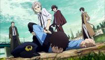 Atsushi restrains Officer Sugimoto