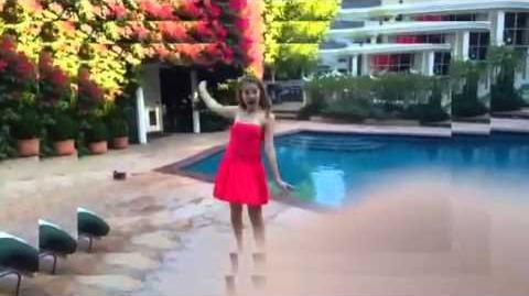 Wannabe-Spice girls music video Peyton list D