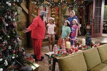 1x09 - Secret Santa - Still4-0