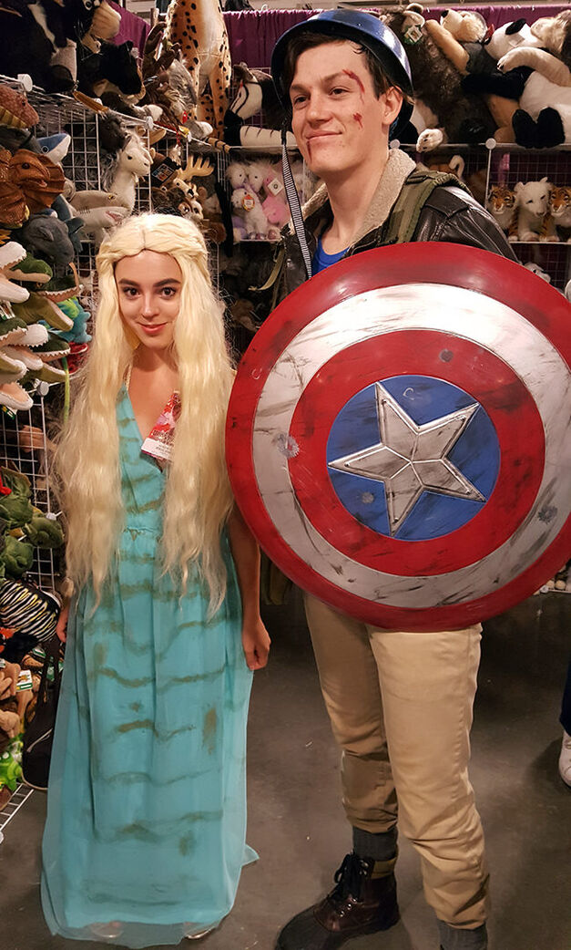 dany-and-cap-dragon-con-costume