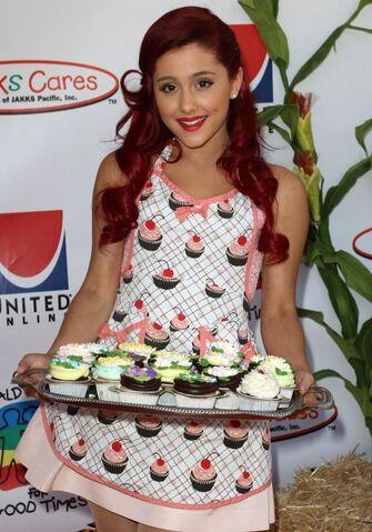 File:Ariana-Grande-2011-Camp-Ronald-McDonald-Halloween-Carnival-ariana-grande-26410324-551-788.jpg