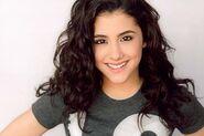 Ariana-grande-brown-hair