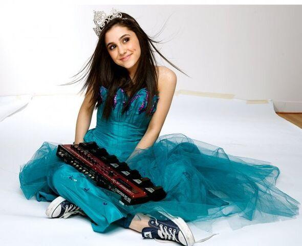File:Ariana-3-ariana-grande-26286413-604-491.jpg