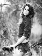 Shailene-Woodley-Hot-Look