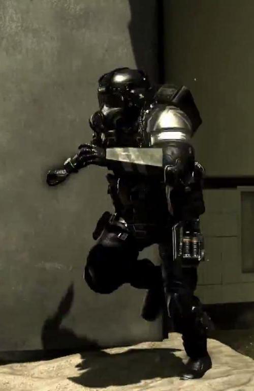 Juggernauts(Call of Duty) takes on the Unggoy(Halo