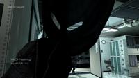 Логан одевает маску