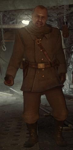 Солдат, бьющий Резнова