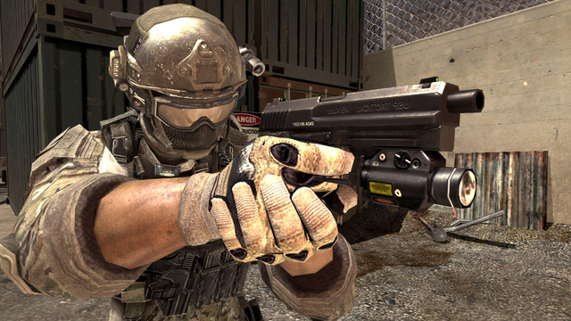 File:USP .45 Third Person MW3.png