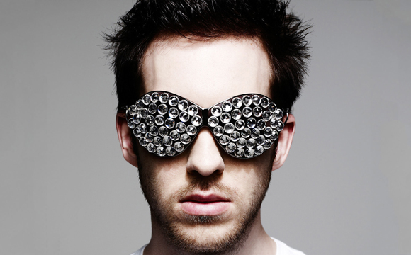 File:Wikia-Visualization-Main,calvinharris377.png