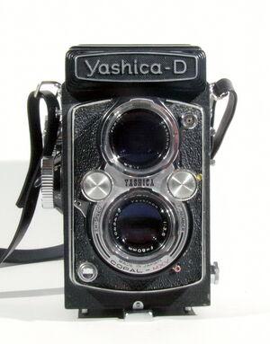 Yashica-D 01