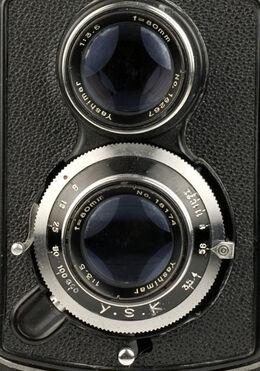 Yashicaflex A-II detail