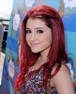 Ariana10