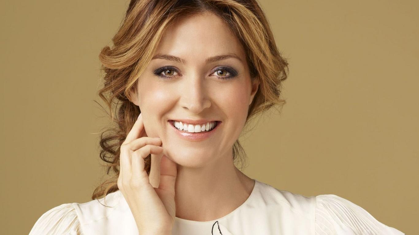 Açıklama: https://vignette.wikia.nocookie.net/camphalf-bloodfanon/images/7/71/Woman-smile-beautiful-hd-get-73591.jpg/revision/latest?cb=20131006000635