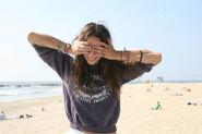 Beach-bracelets-brunette-fashion-girl-Favim.com-119745