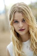 Emilie de ravin 16