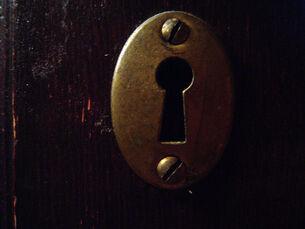 Key-keyhole-01