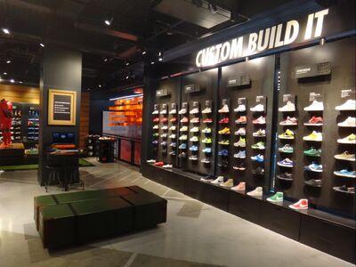 Nike-store-1