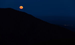 Moonrise-over-the-Appalachian-Mountains-from-Bearfence-Mountain-Shenandoah-National-Park-Virginia-1-