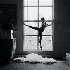 Ballerina-ballet-beautiful-beauty-black-amp-white-Favim.com-266982