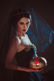 Queen of darkness by anettfrozen-d8adc27