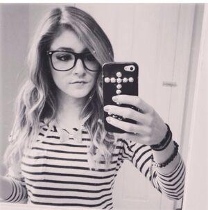 Pg8hro-l-610x610-sunglasses-geek glasses-glasses-nerd glasses-small glasses-geek-nerd-chrissy costanza-blouse