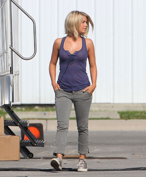 JULIANNE-HOUGH-in-Purple-Top-on-the-Set-of-Safe-Haven-4