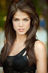 Marie-avgeropoulos-biography-029