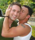 Gay-men-kissing1