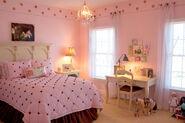 Rachel pink bedroom 045