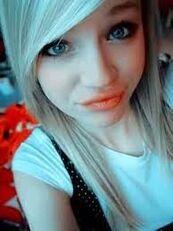 Zoe16