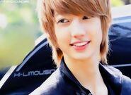 Kwan Yong5