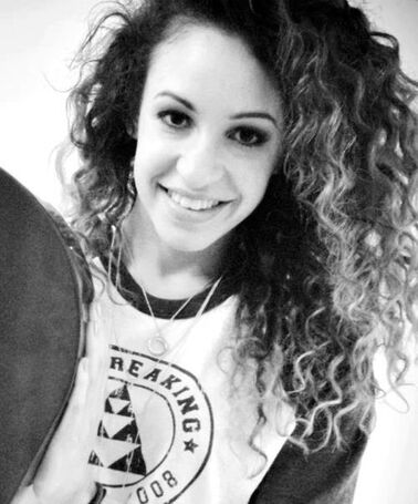 Beautiful-Danielle-danielle-peazer-31009328-500-602