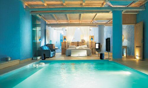 Gorgeous-blue-bedroom