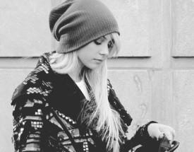 File:275px-Beanie-black-and-white-blonde-girl-gossip-girl-Favim.com-111545 large.jpg