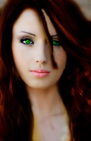 File:Russian-Girl-Green-Eyed.jpg