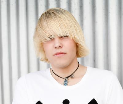 Blonde Emo Pics
