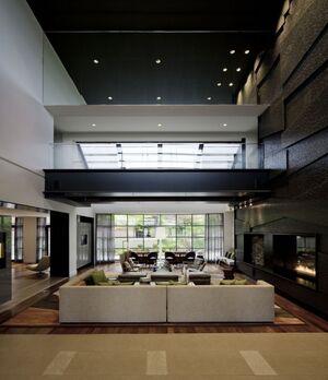 Black-and-white-Lobby-design-of-Baronette-Renaissance-Hotel-590x684