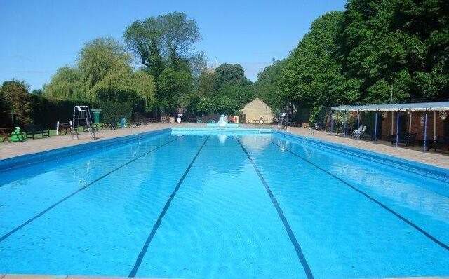 File:Swimming Pool.jpg