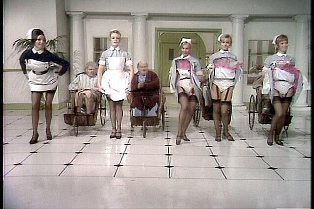 File:Nurses007.jpg