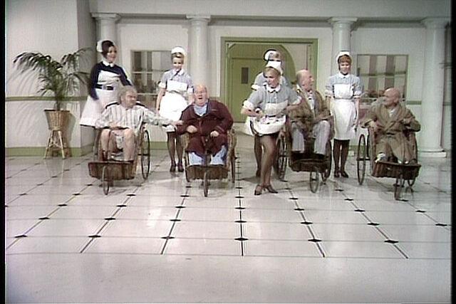 File:Nurses001.jpg