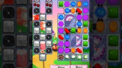 Candy Crush Level 1951 (2nd version, 20 moves)