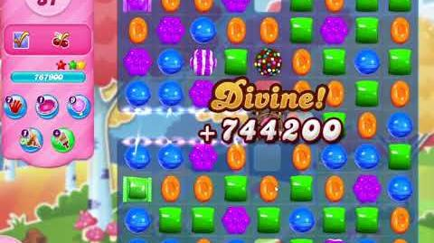 Candy Crush Saga Level 3043 (done in 2 moves)