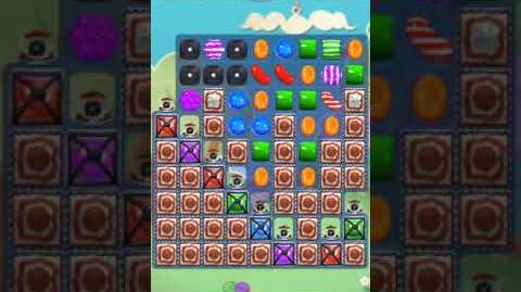 Candy Crush Level 3296 (2nd version, 12 moves)