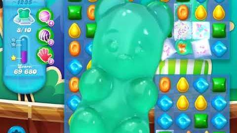 Candy Crush Soda Saga Level 1235 (buffed)