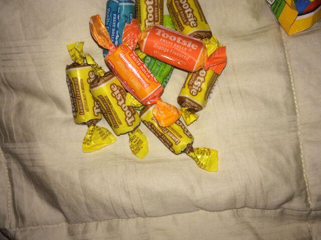 File:Tootsie rolls candy.jpeg
