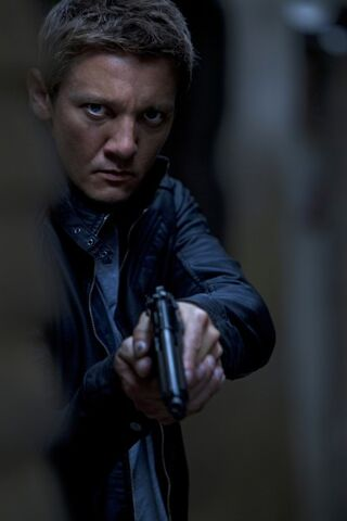 File:The-bourne-legacy-jeremy-renner-movie-image-400x600.jpg