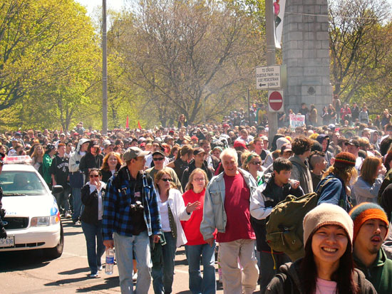 File:Toronto 2006 May 6 Canada crowd 2.jpg