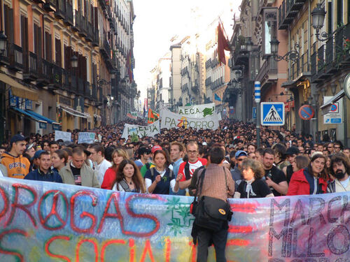 Madrid 2004 May 8 Spain crowd